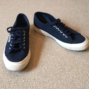 Superga ALMOST NEW Navy Canvas Sneakers Size 9